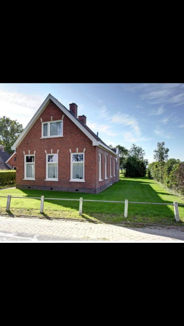 generous employees housing  near Eemshaven /5pers.