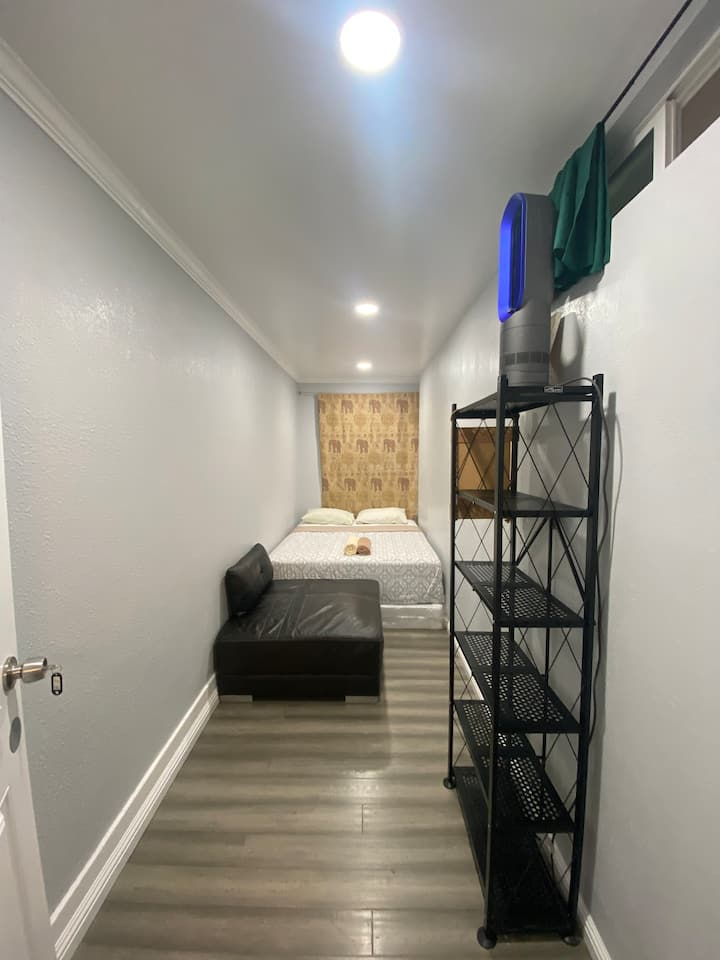 Small Private Room in LA for 2 people
