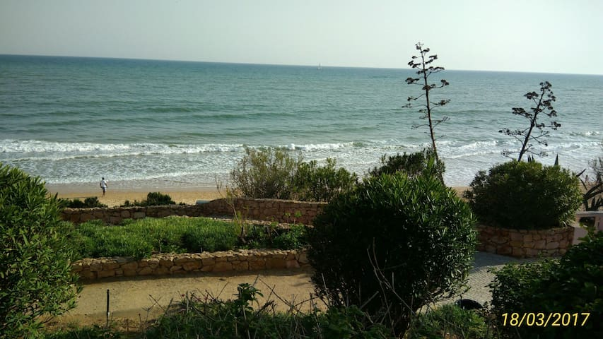 LUXURY T2  IN QUIET LOCATION NEAR THE BEACHES - Albufeira - Apartment
