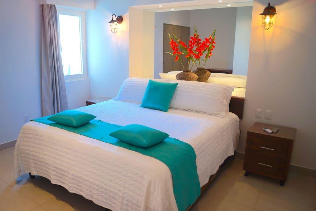 Zenith 307 Bedroom