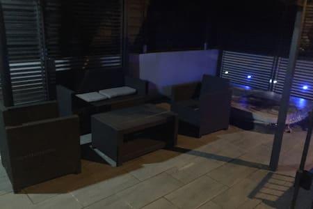 Maison avec jaccuzi extérieur - Sannois