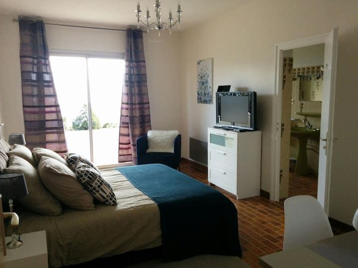 Appartement jusqu'à 6 personnes, vue sur Oyonnax