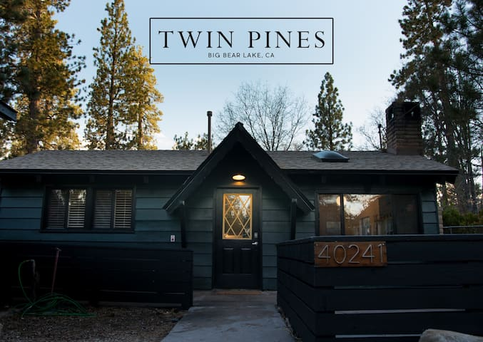 Twin Pines - Midcentury Modern Mountain Cabin
