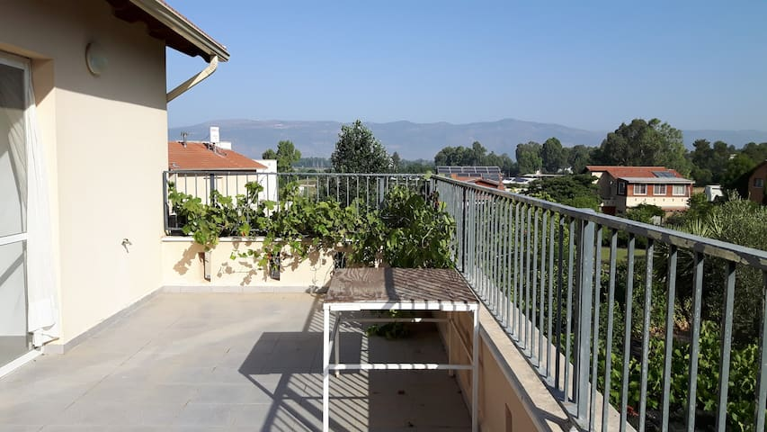 Ora's two bedrooms magical view - Lehavot HaBashan - Leilighet