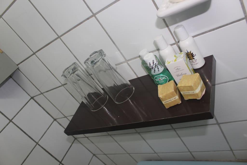 Bathroom, Room 6