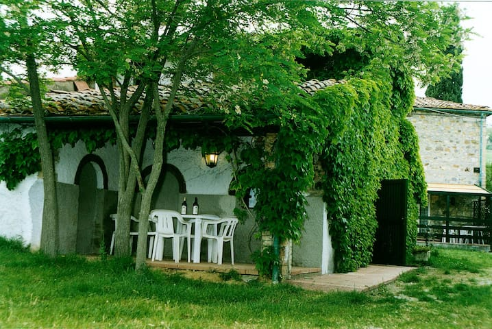 Holiday House for 6 people with shared pool - Casole d'Elsa