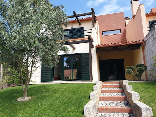Luxury House with 4 Bedrooms in Private Resort