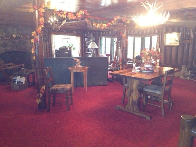 Lodge living room.