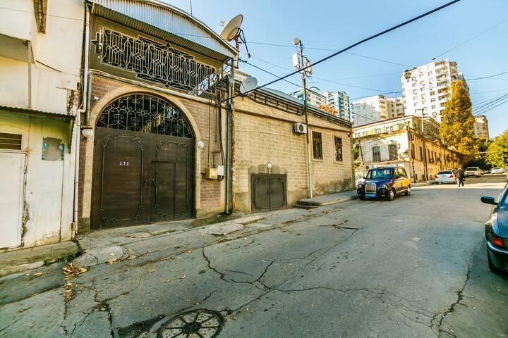 Vip flat in center of Baku (VİLLA)