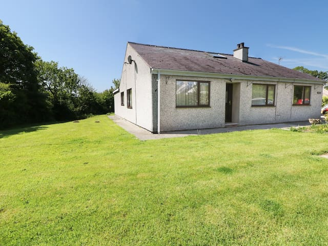 ARIANETH, family friendly, with a garden in Dwyran, Ref 922389
