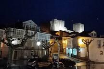 Castro Caldelas, plaza y castillo, foto 2