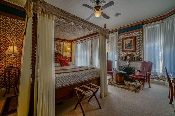 Somerset Room at Pinehill Inn