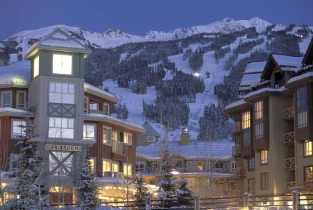 Whistler Village Location - Deer Lodge 341 - Apartments