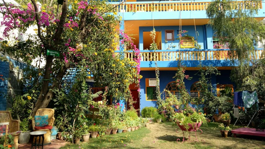 Cosy Homestay(Coral Tree) Near Taj Mahal