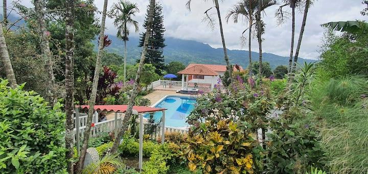 Escápese y Disfrute - Finca Villa de Zares Sasaima