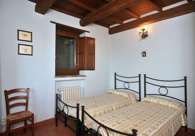 Camera da letto matrimoniale/ due letti