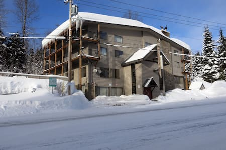 Walk to Slopes w/Views of Resort - Ski Free Offer! - Government Camp - Lakás