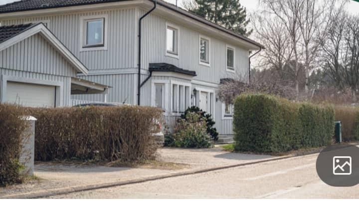 Villa i Spånga med en härlig uteplats