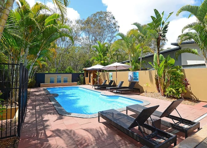'Casa Contessa' Luxurious - Tranquil - Beachside