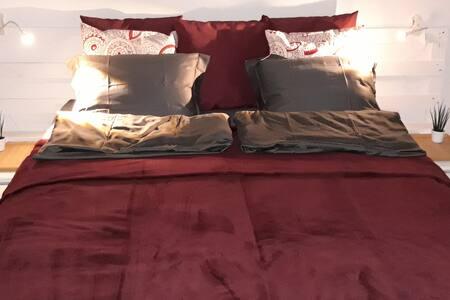 Chambre dans villa avec terrasse