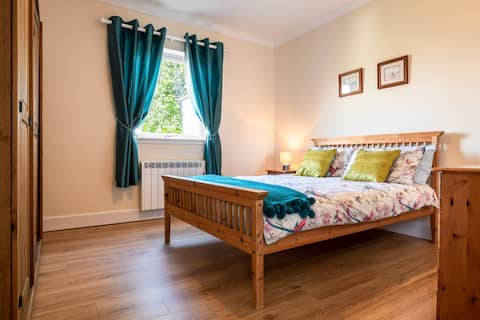 Loch view one bedroom flat in Fort William