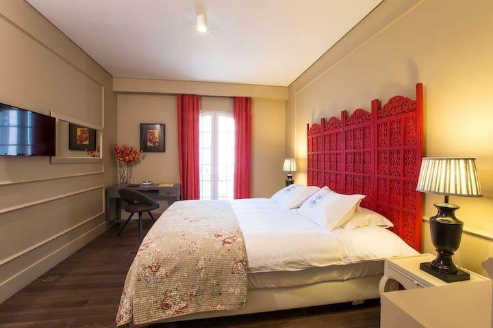 Lapa 82 Boutique Bed & Breakfast -  Room Leonor