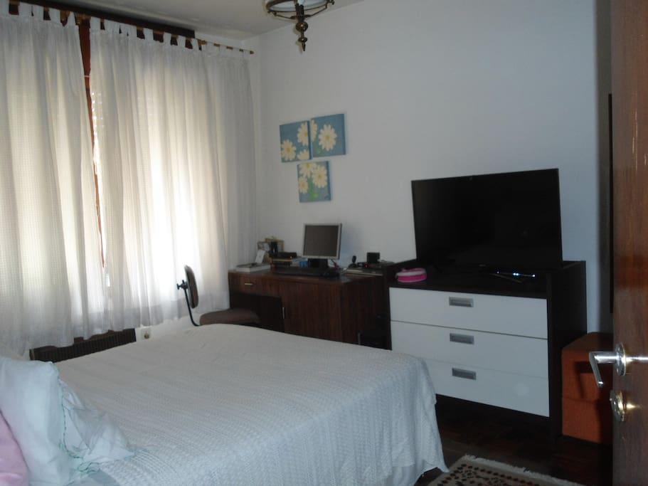 quarto para copa  Dorms for Rent in Porto Alegre, Rio Grande do Sul, Brazil