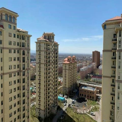 中和广场简约风格电梯房~小智公寓