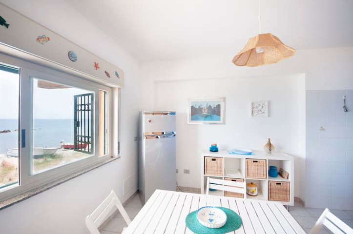 5 steps from the beach - Messina - Appartement