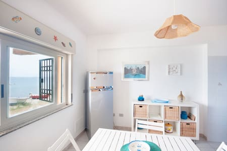 5 steps from the beach - Messina - Wohnung