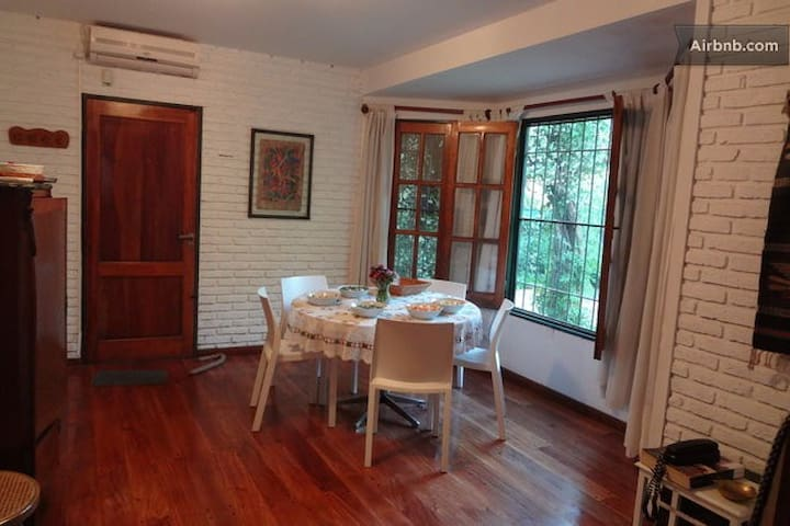 Hermosa Casa con Pileta en Rosario - Rosario - House