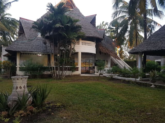 A holiday home with a garden - Kwale County, KE - Villa