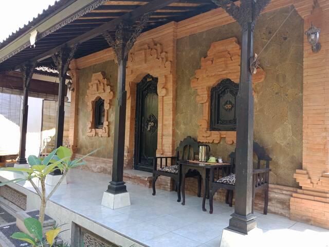 Rumah Pelangi- Taman Mesari
