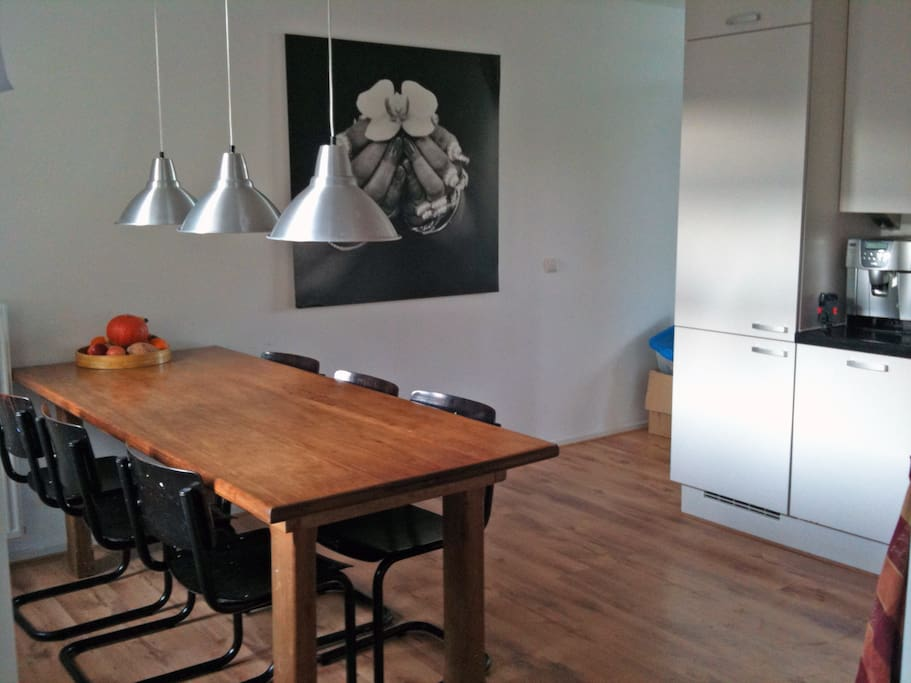 dinertable in the open kitchen