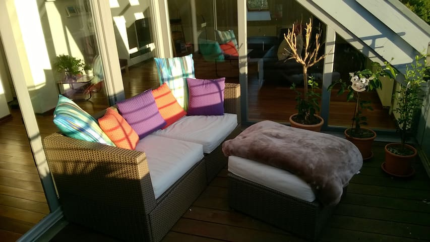 Airy, sunny loft with two floors and roof terrace - Hannover - Apartment