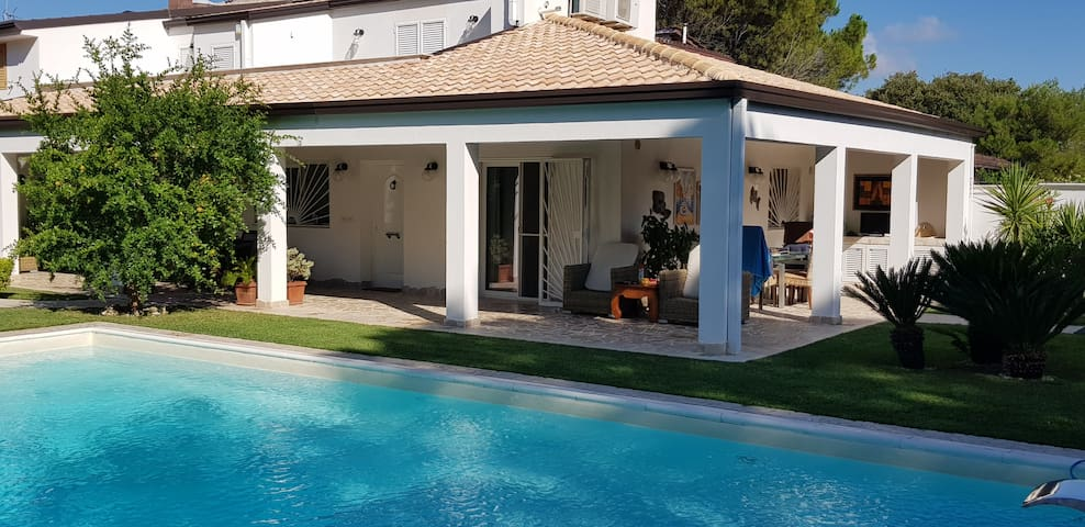 Villa Ribes with private pool by Wonderful Italy
