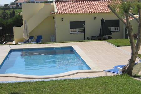 Terrace house & pool 1km Ericeira - Ericeira - Zomerhuis/Cottage