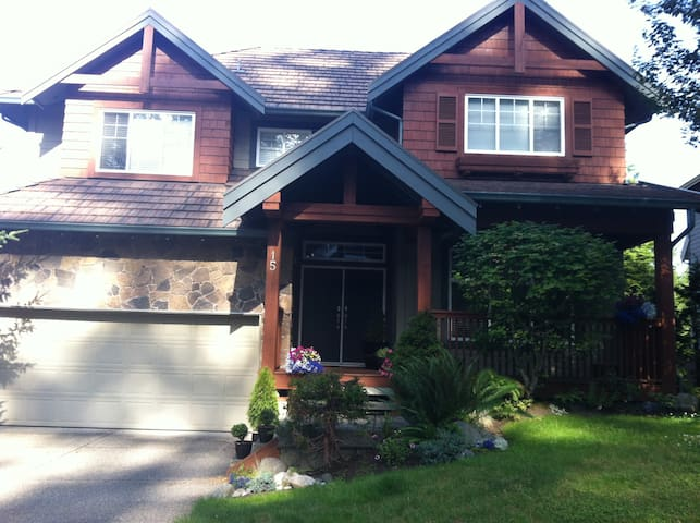 West Coast Style Rooms  - Port Moody - Huis