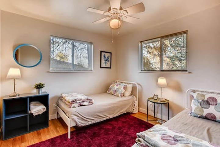 Twin Guest Room South of Denver