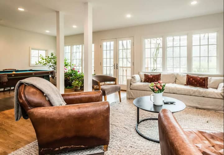 Suite for 6 at  Wild and Beautiful Country Estate