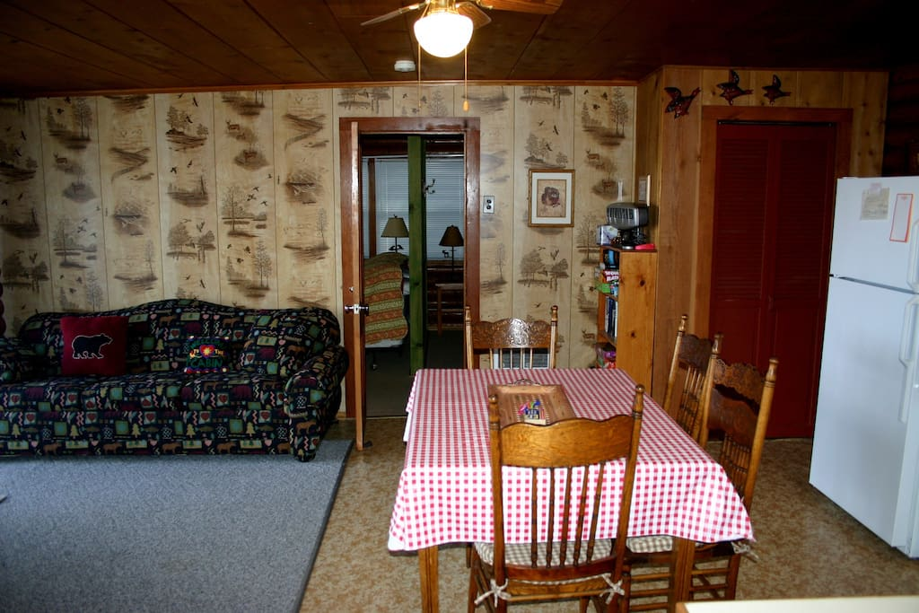 Cozy with a great layout. Check out the classic stamped paneling!