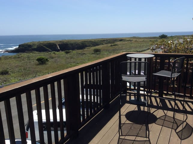 Amazing Ocean Views in Mendocino - Mendocino