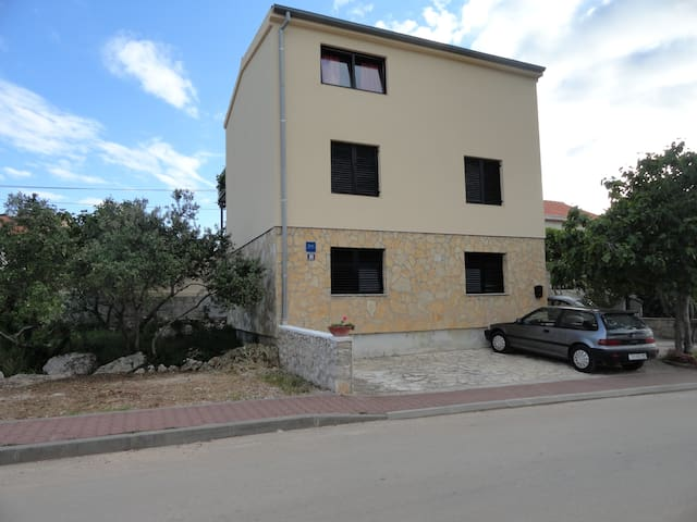 Apartments Dragica A1 - Murter