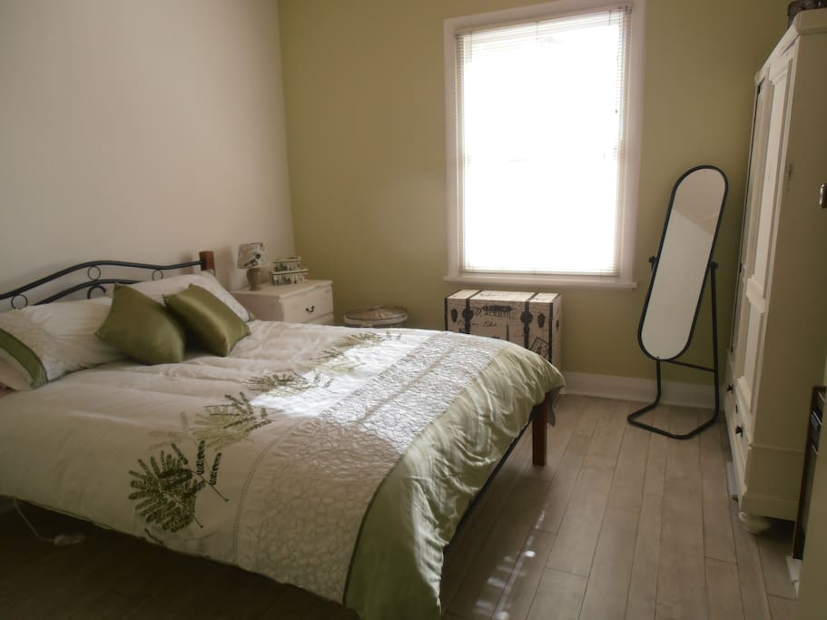 Queen-size bed with new mattress, electric blanitket and comfy mattress topper