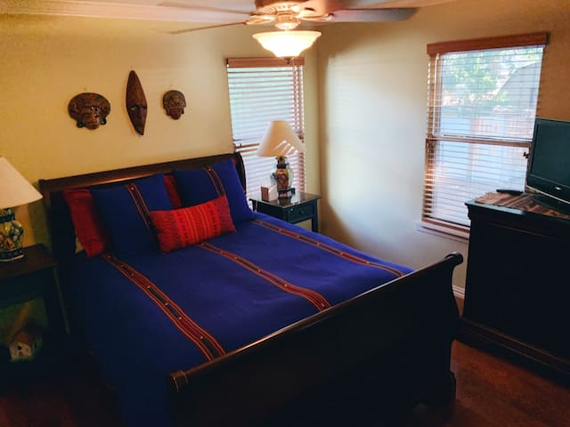 Master with flat screen tv. Queen size bed with all down pillows and down blanket.