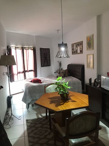Lindo Studio confortável no centro de Campinas