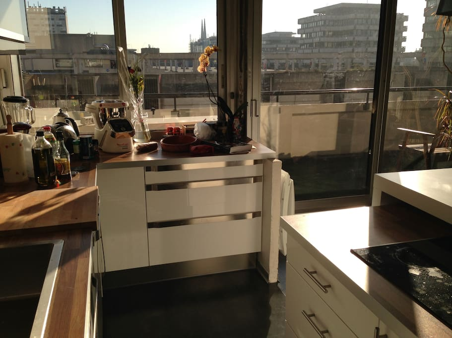 Appartement grand balcon et parking apartments for rent for Appartement bordeaux 70m2