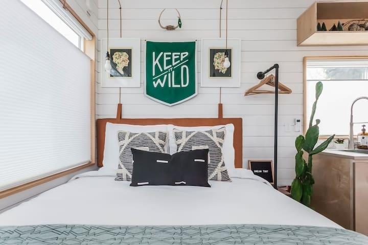 Sweetnight CertiPUR-US Certified 12-Inch Plush Pillow Top Hybrid Mattress