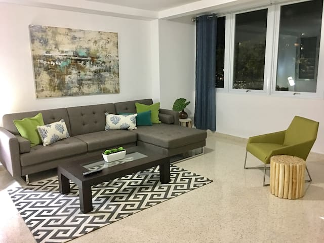 Oasis@103 3B Newly Remodeled, Walk to Beach - San Juan