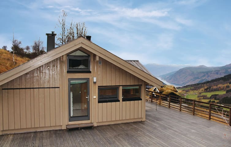 Holiday cottage with 3 bedrooms on 75 m² in Vik i Sogn